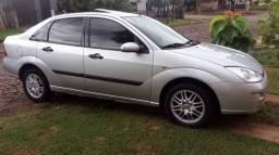 Focus Ghia Sedan