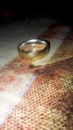 Aliança ouro e prata