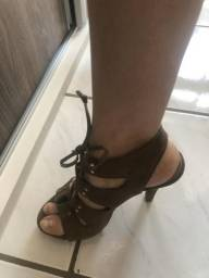 6 pares de sapatos diversos - Excelente Estado