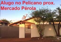 Casa ampla perto Merc Perola e Rua P Porã com 2 Quartos, 3 Vagas, Quintal