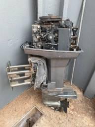 Motor Mercury com power trim para retirada de peças
