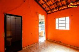 Casa Residencial para aluguel, 1 quarto, 1 vaga, Interlagos - Divinópolis/MG