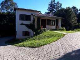 Velleda oferece linda casa 5 dormitórios, condomínio. Cantegril, troca menos valor