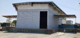 Aluga-se Galpão/Loja 600m2 construídos + 1000m2 para estacionamento