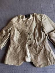 Blazer e blusa de frio