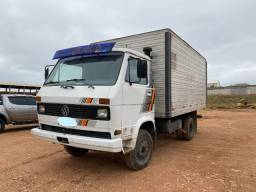Caminhão Baú Volks 7 90S 1990