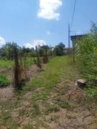 Vendo uma casa no panorama  de madeira 4×4 quintal  cercado .