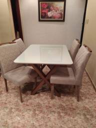 Mesa 120x90 com 4 cadeiras