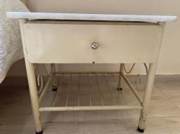 Mesa/criado de cabeceira, tubular - Bege