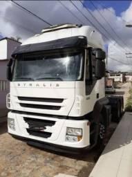 Caminhão Iveco Stralis