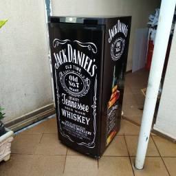 Geladeira Jack Daniels 270L