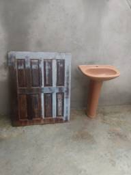 Vendo janela e pia de banheiro R$180