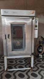 Padaria: forno elétrico de 10 telas + modeladora recém revisada.