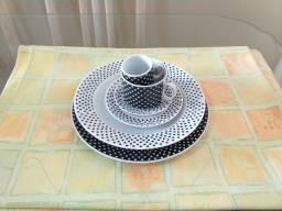 Conjunto de pratos e xícaras Porcelana Germer
