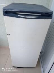 Freezer vertical Prosdócimo, funcionando bem 150,00