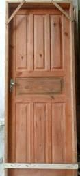 Portas externa de madeira Pinnus apartir 300,00 avista