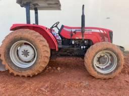 Trator MF4275 4 x 4 agrícola tração central Ano 2013