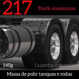 Massa de polir tanques e rodas