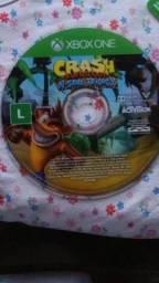Crash bandicoot trilogia 3 em 1, ótimo para crianças