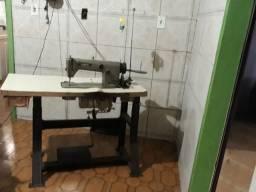 Máquinas de costura:Sherlock 3 fios e reta industrial
