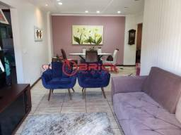Apartamento reformado com 2 quartos na Barra do Imbui.