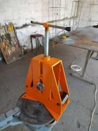 Calandra - máquina para curvar ferro