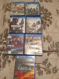 Vendo 7 jogos de play 4 novos