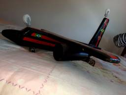 Avião de Madeira Flamengo