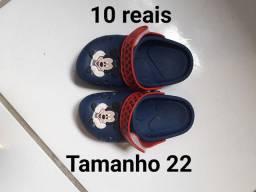 Calçado de menino tamanho na foto