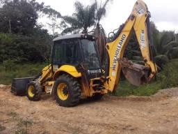 Retroescavadeira New Holland B90B 4x4 2013