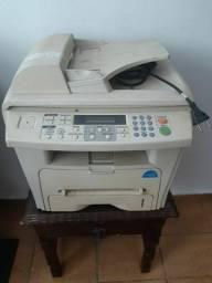 Impressora multifuncional com defeito. Abaixei o preço para vender logo.