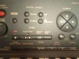 Teclado Yamaha semiprofissional, psr 520