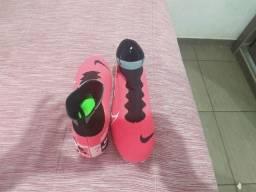 Chuteira Nike Merc Just Campo