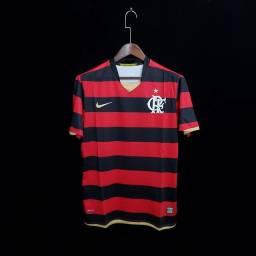 Camisa retrô Flamengo.