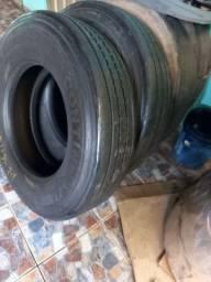 3 pneus 275