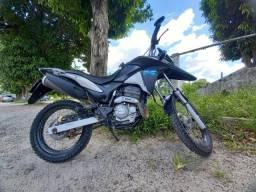 moto XRE muito bem conservada