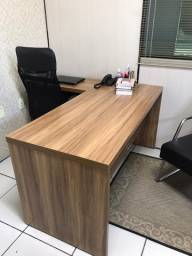 Mesa em MDF para escritório