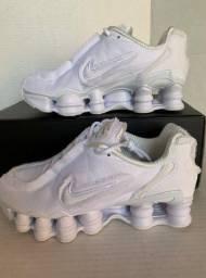 Tênis Nike x Comme Des Garçons