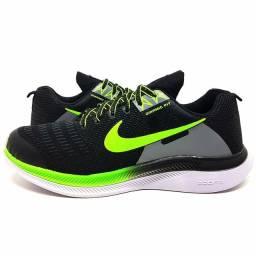 Tênis Nike Dynamic Fit<br><br>