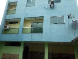 Apartamento duplex de dois quartos sendo um suíte