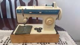 Maquina de Costura Singer Facilita 288 em ótimo estado, uma ótima costura