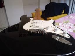 Guitarra Stratocaster usada