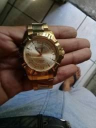 Vendo relógio séculos dourado semi novo todo original