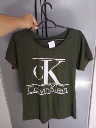 Tshirt novinha c/ etiqueta *-*
