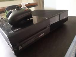 Xbox One 500Gb semi novo