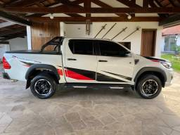 Toyota Hilux CD GR-S 4X4 2020 cab dupla diesel automática