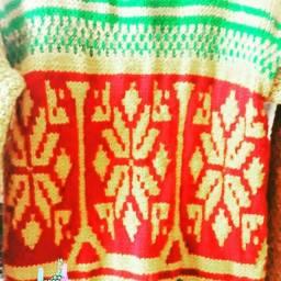 Blusas de lã feitas a mão.
