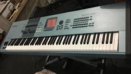 Teclado Piano Motif XS8 muito conservado