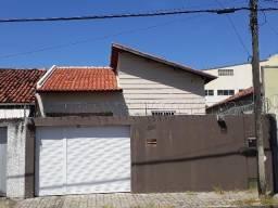 Farias Brito - Casa Plana 144m² com 3 quartos e 2 vagas