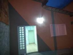 Alugo Casa 3 quartos - Montes Claros II - Santo Antônio do Descoberto/GO